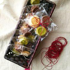 gemomogeのディアマンクッキー6 Hot Fudge, Voss Bottle, Gift Wrapping, Cookies, Brownies, Gifts, Gift Wrapping Paper, Crack Crackers, Cake Brownies