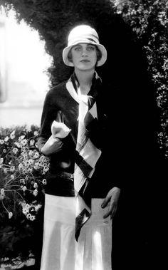 Lee Miller, in Chanel and Caroline Reboux cloche - 1928 - Vogue - Photo by Edward Steichen