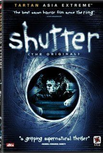The Shutter 2004 Watch Online. A young photographer and his girlfriend discover mysterious shadows in their photographs after a tragic accident. They soon learn that you can not escape your past. Horror Movies Online, Netflix Horror, Best Horror Movies, Horror Movie Posters, Horror Films, Ghost Movies, Scary Movies, Movies, Artists