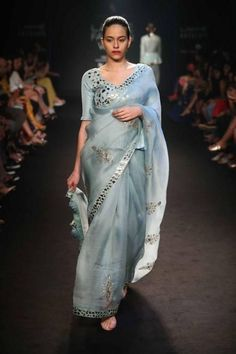 From styles guides to fashion tips to the trends, saree will never go out of trend. From chic crepes to soft silks, from vibrant colours to warm shades, we have curated some hottest designs for the wedding season. Trendy Sarees, Stylish Sarees, Indian Dresses, Indian Outfits, Indian Attire, Indian Wear, Pakistani Outfits, Saree Floral, Sari Dress