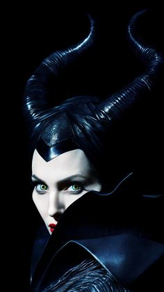 Maleficent: Mistress of Evil is a movie starring Angelina Jolie, David Gyasi, and Elle Fanning. Maleficent and her goddaughter Aurora begin to question the complex family ties that bind them as they are pulled in different. Maleficent Quotes, Maleficent 2014, Maleficent Movie, Malificent, Maleficent Costume, Maleficent Drawing, Angelina Jolie Makeup, Angelina Jolie Maleficent, Arte Disney