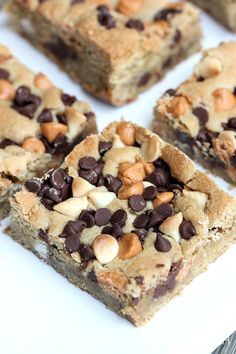 """Triple Chip Blondies have three types of """"chips"""", chocolate chips, white chocolate chips, and butterscotch chips to make a delicious soft and chewy cookie bar. Butterscotch Cookies, White Chocolate Chip Cookies, Chocolate Chip Cookie Bars, Brownie Bar, Butterscotch Pudding, Easy Desserts, Delicious Desserts, Dessert Recipes, Cake Recipes"""