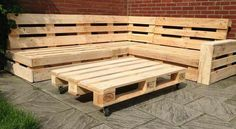 Slab Wood Projects To Beautify Your Home – WoodworkeRealm Pallet Lounge, Pallet Couch, Wooden Pallet Furniture, Pallet Patio, Diy Outdoor Furniture, Furniture Projects, Wood Pallets, Diy Patio, Diy Furniture