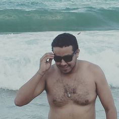 Já que num ganhei na Mega da Virada vou pular sete ondinhas... Vai que... #Mar #Praia #AnoNovo