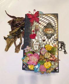 Alice In Wonderland Mini Album Handmade by BlingNThingsbyPenny