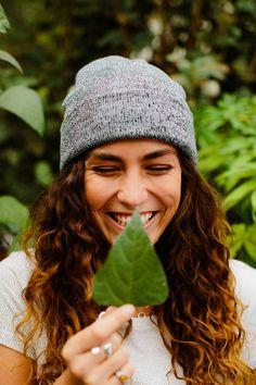 Der Zauber der Natur bringt jeden zum Lächeln! #smile #volvic Winter Hats, Mineral Water, Minerals