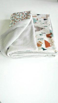 Couverture bébé polaire thème les animaux de la forêt de la boutique Creationbylise sur Etsy