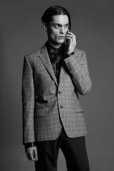 Kurt, photographed by Amanda Camenisch, styled by Un-Categorized, hair by Sarah Palmer, makeup by Daniela Koller, set design by Aaron Murphy