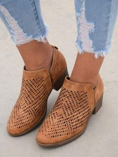 0ccef85b582 Ermonn Womens Closed Toe Faux Leather Side Zip Chunky Block Low Heel Ankle  Booties --