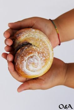 Olio e Aceto: Ricetta chiocciole con nocciolata - Chocolate-filled snail-shaped sweet rolls