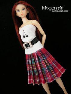 Pleated Skirt in Red Print for Momoko Dolls