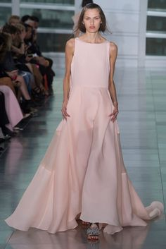 Antonio Berardi Spring 2015 Ready-to-Wear Fashion Show - Zoe Huxford