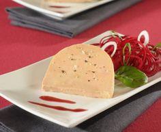 Bloc de #foiegras de #canard, #salade de #betterave crue et réduction de #Pinot noir.  #Recette et conseils de nos #chefs sur www.feyel.com