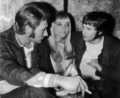 Johnny Hallyday, France Gall and President Rosko, the reknowned. France Gall, Photo Vintage, Vintage Vogue, Vintage Photos, Serge Gainsbourg, Marnes La Coquette, Johnny Halliday, Jean Philippe, French Girls