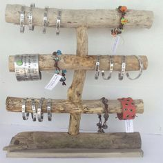 Driftwood bracelet display idea