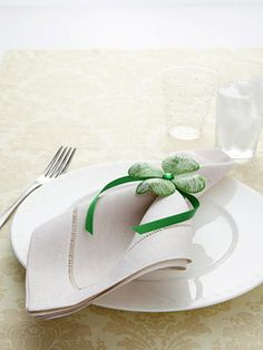 St. Patrick's Day Craft - DIY St. Patrick's Day Decorations - Good Housekeeping