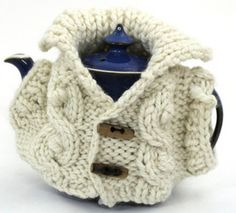 Pattern: Teapot cozy  Two of my favorite things rolled into one.... :)