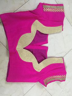 No automatic alt text availab le. Patch Work Blouse Designs, Simple Blouse Designs, Stylish Blouse Design, Churidhar Neck Designs, Dress Neck Designs, Wedding Saree Blouse Designs, Saree Blouse Neck Designs, Salwar Kameez Neck Designs, Designer Blouse Patterns