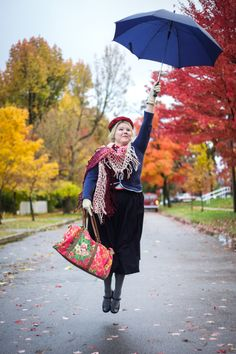 Mary Poppins Halloween Costume - photo by Anna Neale Photography // via These Threads blog