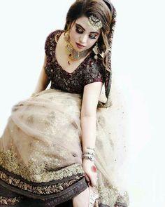 Pakistani Bridal Makeup, Indian Bridal, Pakistani Couture, Walima Dress, Pakistani Dresses, Muslim Women Fashion, Indian Fashion, Bridal Pictures, Bridal Pics