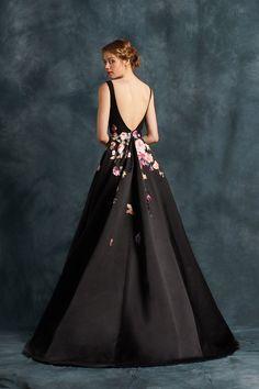 (3) Twitter Elegant Outfit, Classy Dress, Ball Gown Dresses, Evening Dresses, Bridesmaid Dresses, Prom Dresses, Wedding Dresses, Paint Shirts, Satin Skirt