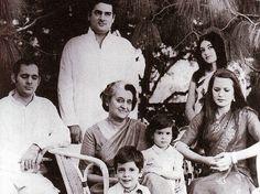 Indira+Gandhi+Famiy.jpg (500×373)