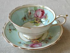 To view and learn about beautiful antique tea cups visit artfulaffirmation. - Red Tea Is Best Tea Cup Set, My Cup Of Tea, Tea Cup Saucer, Tea Sets, Antique Tea Cups, Vintage Cups, Vintage China, Cuppa Tea, Teapots And Cups