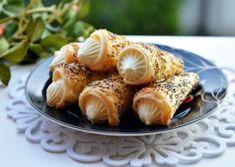 RULOURI CU CREMA DE VANILIE Sushi, Garlic, Deserts, Cream, Vegetables, Ethnic Recipes, Liberia Africa, Food, Romania