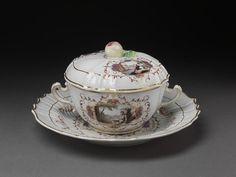 Bowl, cover and stand of tin-glazed hard-paste porcelain, Doccia porcelain factory, Doccia, 1770-80