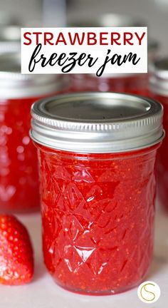 Easy homemade strawberry freezer jam recipe using sure-jell fruit pectin, sugar and fresh strawberries. This step by step tutorial makes 6 jars of homemade strawberry jam. This canning recipe is so easy! Strawberry Jelly Recipes, Homemade Strawberry Jam, Sure Jell Strawberry Jam Recipe, Frozen Raspberry Jam Recipe, Recipes For Strawberries, Strawberry Daquiri, Strawberry Cheesecake, Strawberry Blonde, Canning Recipes