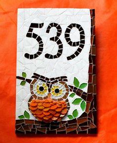 Número Residencial em mosaico Coruja                                                                                                                                                      Más