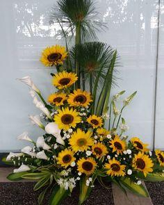 Altar Flowers, Church Flowers, Funeral Flowers, Fall Flowers, Unique Flower Arrangements, Unique Flowers, Amazing Flowers, Funeral Arrangements, Fall Arrangements