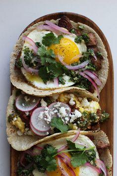 Breakfast Tacos | HonestlyYUM