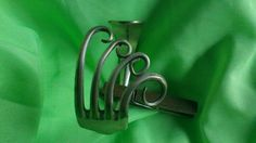 Klemarmband gemaakt van zilveren vork 35,- euro http://jhsecondlife.canalblog.com fork sillver. fourchette argent