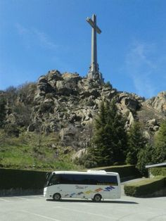 Gallery   alquiler minibus madrid   minibus-de-visita-en-el-Valle-de-los-Caidos-Madrid Madrid, Cn Tower, Cathedral, Spanish, Building, Travel, Falling Down, Viajes, Buildings