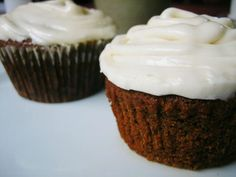 Congratulations to Vanessa Burnum, winner of the Gluten-Free Holiday Re-Do Contest sponsored by Arrowhead Mills! Vanessa's Gingerbread Cupcakes with Cream Cheese Frosting recipe won over our tasting panel, and she will receive $500 in Arrowhead Mills products! Get the recipe: http://www.vegetariantimes.com/blog/gluten-free-holiday-re-do-contest-winner/