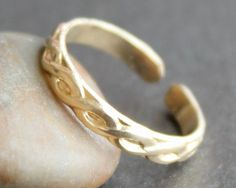 Gold Toe Ring / Adjustable Ring / Knuckle by sweetolivejewelry, $30.00