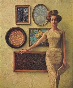 This image is a print-and-vintage lover's absolute dream. Not to mention her hair! Vintage Vogue, Moda Vintage, Retro Vintage, Vintage Style, Vintage Fabrics, Vintage Ladies, Vintage Glamour, Vintage Sewing, Style 60s