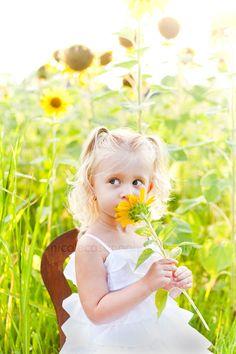I love photos of children outside in the sunshine!