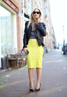 Love the contrast between the top (grey tee biker jacket) and bottom (bright lace pencil skirt and ladylike pumps). workin-it-at-work Classy Outfits, Cute Outfits, Neon Skirt, Yellow Lace, Yellow Leather, Bright Yellow, Grey Tee, Dress To Impress, Lace Skirt