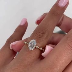 Dream Engagement Rings, Oval Gold Engagement Ring, Oval Wedding Rings, Different Engagement Rings, Moissanite Engagement Rings, Pretty Wedding Rings, Most Beautiful Engagement Rings, Colored Engagement Rings, Oval Rings