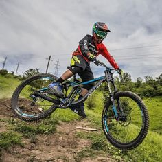 @saken_kagarov Follow us for the best MTB photos on Instagram! Use hashtag #mbaawesome or tag us in a photo to be featured on our page! #mtb#mountainbiking#mountain#biking#cycling#bicycle#redbull#rampage#extreme#dh#downhill#dhmtb#downhillmountainbiking#mountainbikersareawesome#redbullrampage#redbullrampage2014#gopro#peoplewhodofunstuff#bikeporn