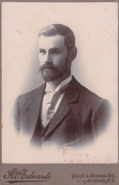 late 19th C. cabinet card.. Auckland, New Zealand