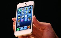 "Un error en el Wi-Fi del iPhone 5 provoca grandes excedentes en el consumo de datos. In English, this headline reads ""An errror in the Wi-fi of the iPhone 5 provides an excess amount of data consumption. Apple Iphone 5, Iphone 5s, New Iphone 6, Iphone Deals, Latest Iphone, Iphone 5 Price, Ipad Mini, Wi Fi, Apple Maps"