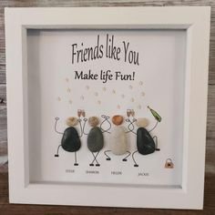 Best Friend Gifts, Gifts For Friends, Friend Birthday, Birthday Gifts, Pebble Pictures, Stone Pictures, Friendship Gifts, Funny Friendship, Leaving Gifts