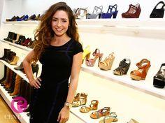 "Ariadne Diaz H | Photo: * Ariadne Diaz *-> #Vince Camuto Zapatos-> Aurora iz ""Manana es ..."