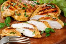 My favorite air fryer recipes that are healthy, easy, and fast! Get the recipes and your chance to win a free air fryer too. Moist Chicken, Raw Chicken, Organic Chicken, Garlic Chicken, How To Cook Chicken, 17 Day Diet, Air Fryer Healthy, Fresh Broccoli, Garlic