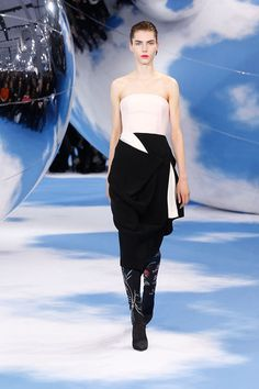 Christian Dior 2014, Dior Fashion, Womens Fashion, Dior Beauty, Black White Fashion, Ready To Wear, How To Look Better, Strapless Dress, Couture