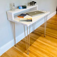 Industrial Style Desk, Rustic Desk, White Desks, White Wood Desk, Hairpin Leg Desk, Cool Room Designs, Clear Desk, Wood Computer Desk, Mid Century Modern Desk