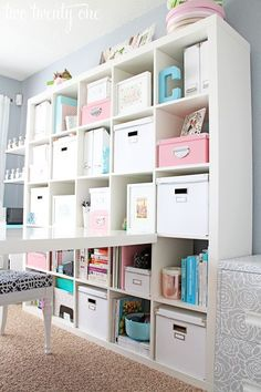 Awesome girly home office/craft room makeover.